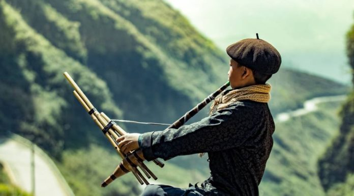 Chàng trai H'Mông ở Hà Giang