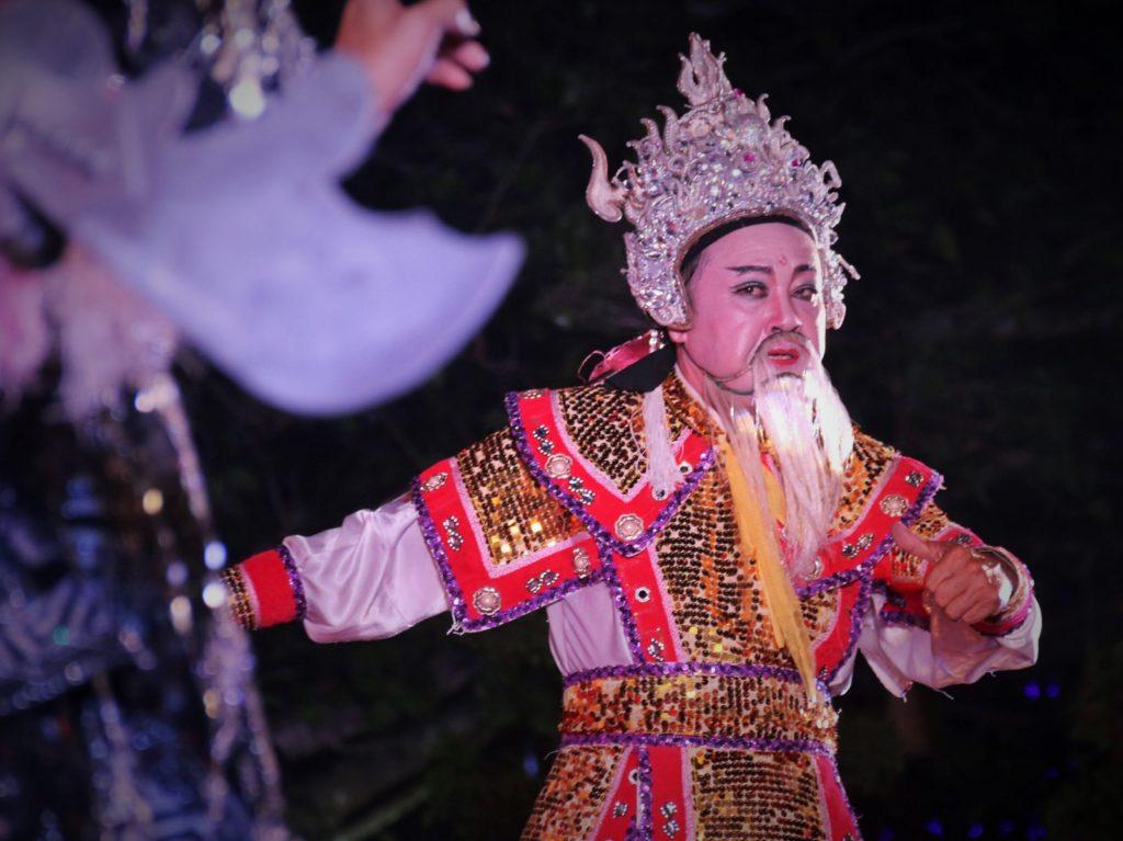 Một cảnh hát bội do nghệ sĩ Vũ Linh Tâm thủ vai