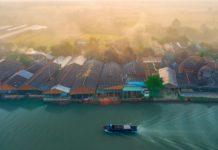 Các lò gạch ở Vĩnh Long thường nằm cạnh sông