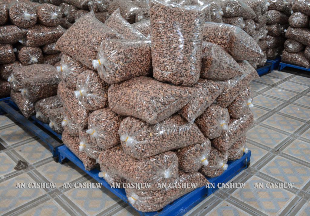 Hạt điều rang muối An Cashew đóng cây